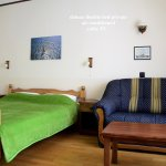 deluxe double bed private, air conditioned, cable TV