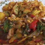 Mexikanischer Spieß mit Bratkartoffeln