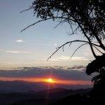 Pôr do Sol do Mirante que tem vista para uma lindo vale.