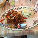 Des plats excellents et pleins de saveurs! Une cuisine asiatique traditionnelle maison de qualit