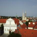 Вид с башни на церковь Святой Катарины.
