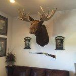 Foto de Bullwinkles Rustic Lodge