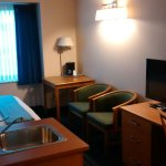 Brentwood Inn and Suites