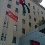 Fachada del hotel Ibis Mall of the Emirates.