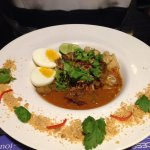Fried egg noodles with beef curry (hot & spicey)