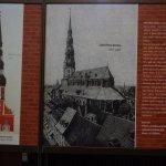Der Bau der St. Petrikirche in Riga.