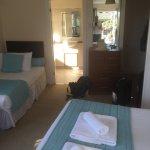 Pool; Belvoirbeach; Abendstimmung vom Hotel aus; Klippenlandschaft; unser schönes Zimmer Nr.34