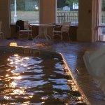 Photo de Baymont Inn & Suites Dowagiac