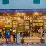La Bonne Franquette Restaurant & Wine Bar Maenam, Koh Samui