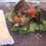 Brie avec salade