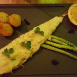 Sole thermidor with asparagus