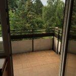 Großzügiger Balkon mit Grün...
