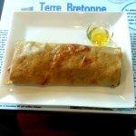 Wrap au sarrasin, l'Artichèvre, composée de fonds d'artichauts, de fromage de chèvre, de noix, d