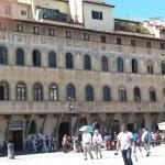 Photo de Piazza Santa Croce