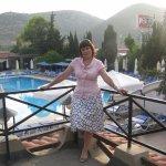 Пигале. Вид на бассейн и столовую