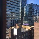 Photo de Hilton Garden Inn Toronto Downtown