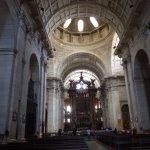 Igreja da Sao Vicente de Fora - nave and main altar