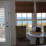 Photo de Cottage Inn by the Sea