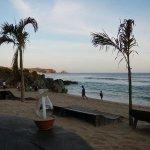 Mesa a la orilla de la playa