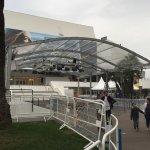 Entrada del centro de convenciones del festival de cine de Cannes