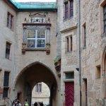 Im Innenhof des Schlosses