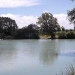 un lac artificiel au coeur du parcours