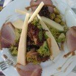 Σαλάτα με γεύση από Κρήτη και Μάνη