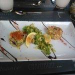 Brochette de Saumon et julienne et son trio de sauces - carpaccio de boeuf - duo de tartare de s