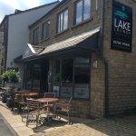 Lake Lounge Bar & Restaurant