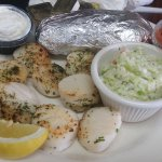 broiled scallops with cole slaw and baked potato