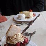 Delicious Cranachan and cheesecake!