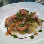 Crevettes grillées et petits légumes