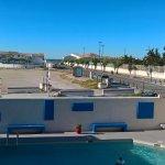vue de la chambre 12 donnant sur la piscine et la mer