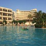 Photo de Smartline Cosmopolitan Hotel