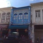 Photo de Old Phuket Town