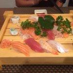 Sushis & sashimis de thon, saumon et bar