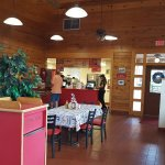 Maurice's Gourmet BBQ dining room