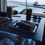 Roussos Cafe