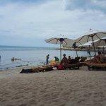 Strandleben vor dem Impiana Resort