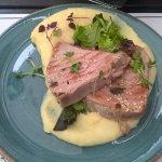 Tuna-Steak mit Trüffelpüree