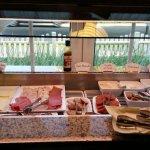 Frühstücksraum und Frühstücksbuffet