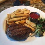 Filet with Steak Fries