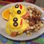 California Eggs Benedict - Smoked salmon over English muffins with poached eggs, hollandase