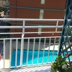 terrazzo 3 piano vista piscina