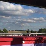 MEININGER Hotel Berlin Airport Foto