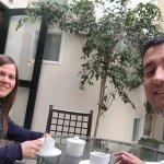 En el hotel, nos recibieron con un té de coca !. Muy bueno.