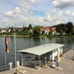 Sicht Bootsanleger zum Hotel