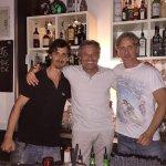 на фото я (в центре) и владельцы fratelli Zelli