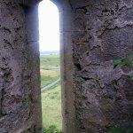 Photo de Ballinalacken Castle