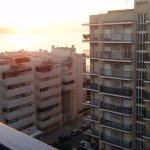 Photo prise de la chambre 10éme étage, vue partielle mer